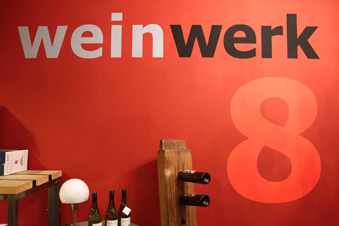 Weinwerk8 Logo Wand